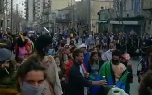 תיעוד: מאות משתתפים בחגיגות פורים המוניות ברחובות ירושלים