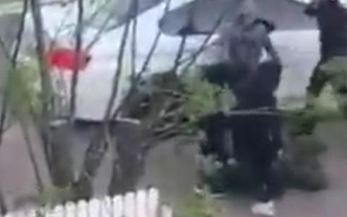 המשטרה עצרה 3 תושבי גוש דן החשודים בתקיפת השוטר שלשום ביהוד | תיעוד התקיפה