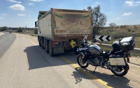 נתפס נוהג על משאית במשקל 32 טון עם חשד לרישיון נהיגה מזויף
