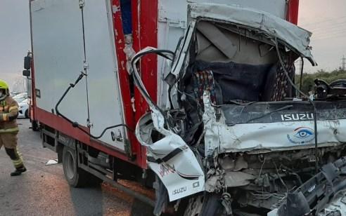 בן 31 נהרג בתאונה בין שתי משאיות בכביש 5 סמוך לאריאל