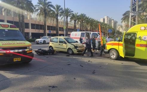 גבר בן 22 נפצע בינוני בתאונה בין אופנוע לרכב בראשון לציון