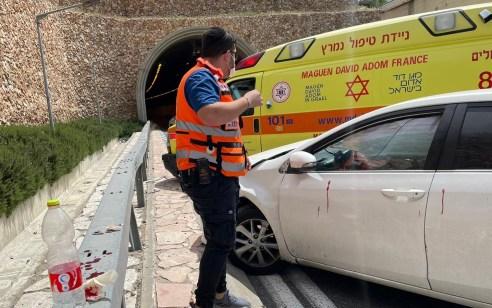 פצועה בינוני ו-2 קל בתאונה בכניסה למנהרת הארזים בירושלים