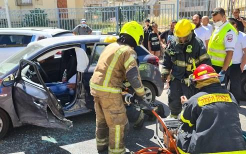 נהג רכב כבן 25 נפצע בינוני בתאונה בלוד