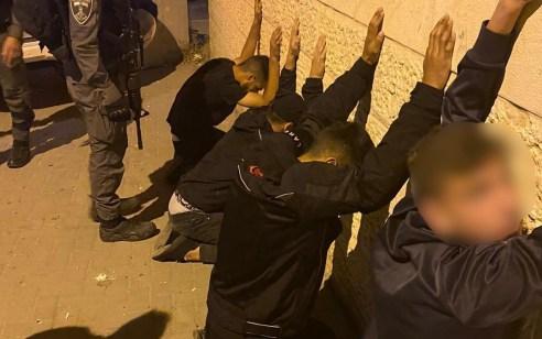 התפרעויות בירושלים: הלילה נעצרו 33 ערבים שיידו אבנים, בקבוקי תבערה ותקפו שוטרים