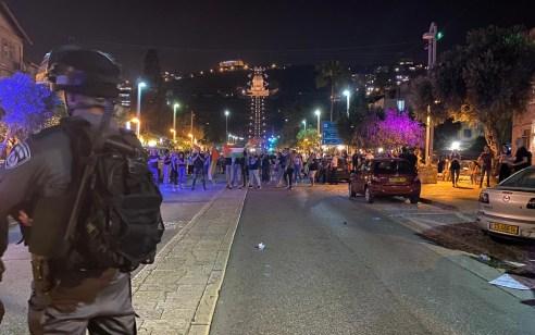 עימותים בין שוטרים למפגינים בחיפה במחאת הזדהות עם הר הבית – 15 מתפרעים נעצרו