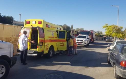 חמישה ילדים נפצעו בינוני וקל בפיצוץ בחצר בית במצפה רמון