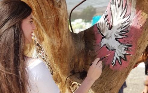 עשרות אמנים יהודים וערבים מפסלים חיים משותפים ביצירות אומנות