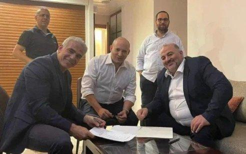 """ממשלת בנט ולפיד: ישראל ביתנו ורע""""מ חתמו במהלך הלילה על הסכם קואליציוני עם יש עתיד"""