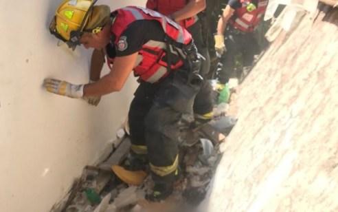 הרצליה: פועל נהרג בקריסת מבנה – סריקות אחרי לכודים