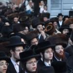לקראת כניסתו לכלא: מאות תושבי מאה שערים ורבנים השתתפו בתהלוכה לכבודו של בנימין פרידמן