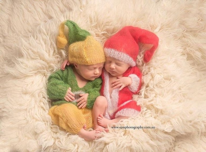 145755-900-1450949548-ad-knitted-christmas-baby-outfits-08