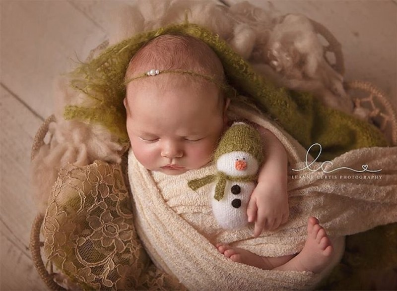 146105-900-1450949548-ad-knitted-christmas-baby-outfits-16