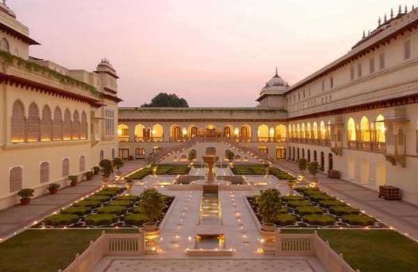 Τα παλαιότερα ξενοδοχεία στον κόσμο Rambagh Palace Jaipur India allabout.gr