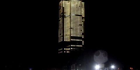 Έχτισαν ουρανοξύστη 57 ορόφων σε 19 μέρες!