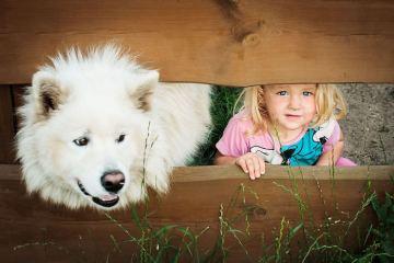 30 + αξιολάτρευτο φωτογραφίες που αποδεικνύουν ότι τα παιδιά σας θα χρειαστεί ένα σκυλί