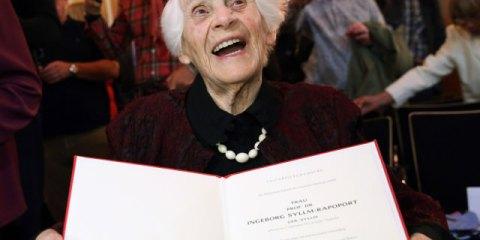 Σε ηλικία 102 ετών έλαβε, Εβραία παιδίατρος το πτυχίο που της στέρησαν οι Ναζί
