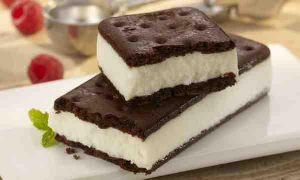 Συνταγή για απίθανο και εύκολο παγωτό σάντουιτς