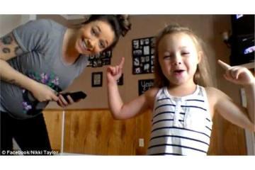 Μία έγκυος χορεύει μαζί με την κόρη της και είναι σκέτη απόλαυση