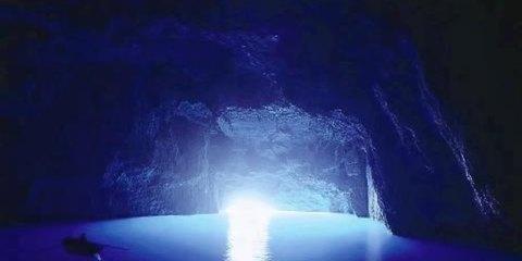 Η Γαλάζια Σπηλιά στο Καστελόριζο