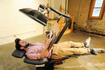 Με αυτό το γραφείο των $5,900 μπορείτε πλέον να δουλεύετε ξαπλωμένοι!
