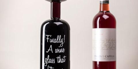 Δείτε πως μπορείτε να ανοίξετε ένα μπουκάλι κρασί με παπούτσι!