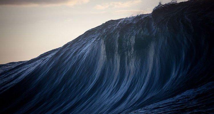 Τεράστια κύματα στις ακτές της Αυστραλίας