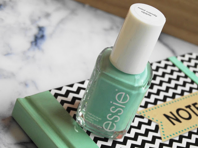 0b3f2 dsc073692b252812529 - ESSIE | Mint candy apple