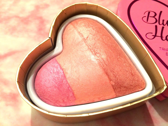 14fa3 img 0609 - I HEART MAKEUP BLUSHING HEARTS - CANDY QUEEN OF HEARTS BLUSHER