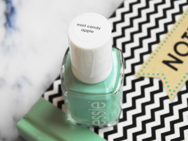 18622 dsc073532b252812529 - ESSIE | Mint candy apple