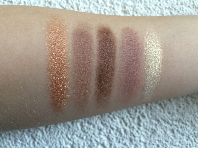 2416b img 1007 - I Heart Makeup Naked Chocolate Eyeshadow Palette