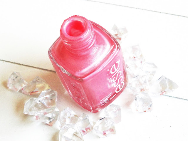 5d3cb dsc066782b252822529 - Essie | Pink Diamond