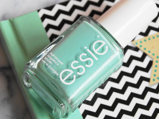 662c0 dsc073662b252812529 - ESSIE | Mint candy apple