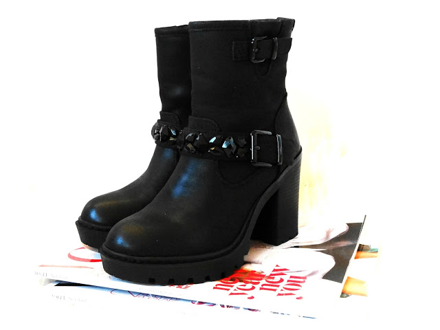 8695c dsc097602b2528125291 - NEW IN ♥ ZWARTE BIKERBOOT STRASS