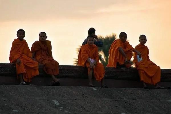 монахи в Камбодже