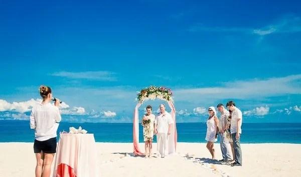 необычная свадьба на пляже