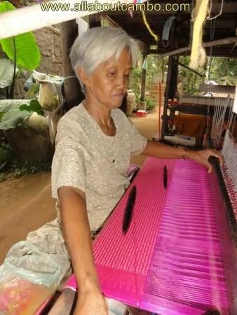 как делают шелк в камбодже