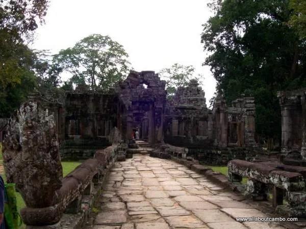 Большой круг АнгкорВата