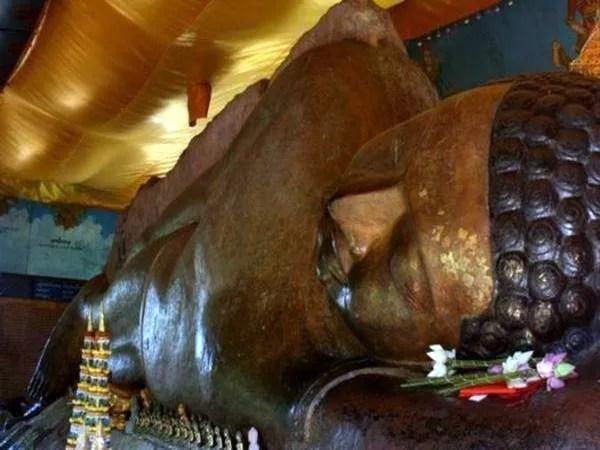 15-Статуя лежачего Будды в Камбодже