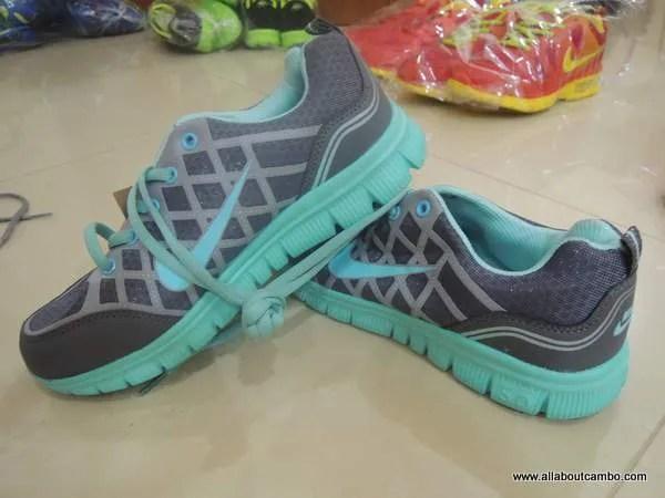 купить Nike  в Камбодже