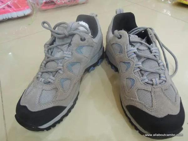 оптом обувь  в Камбодже