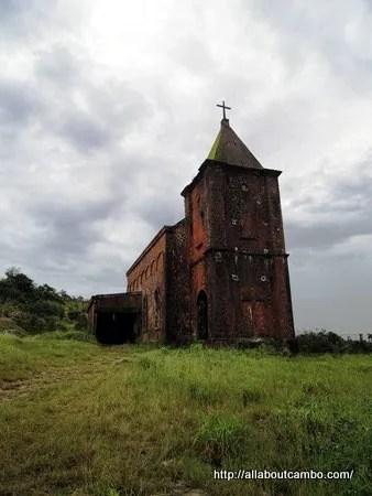старая церковь в Камбодже