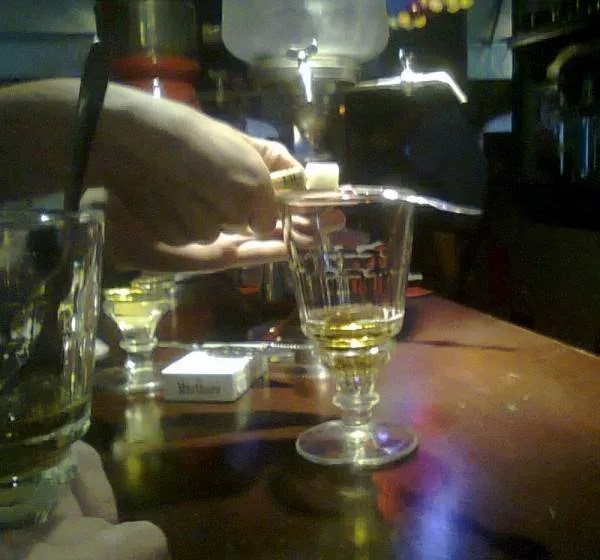абцент бар в Камбодже