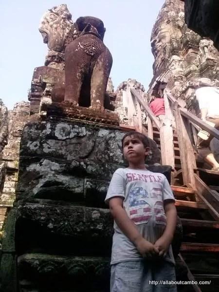 каменные львы Ангкор