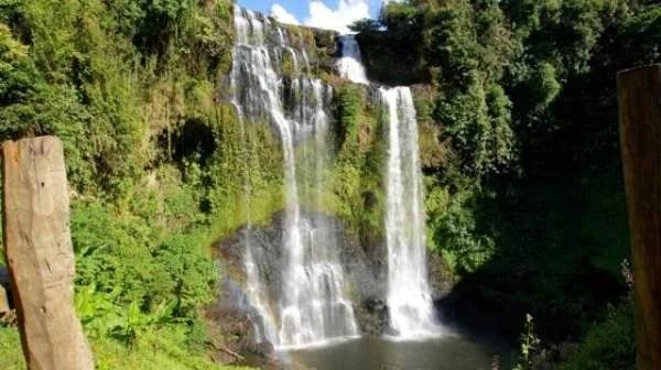где можно посмотреть водопады в Лаосе