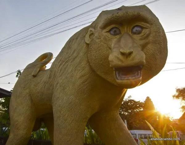 памятник хануману лопбури