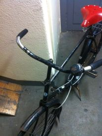 Wide bars and spring mechanism make for smooth ride