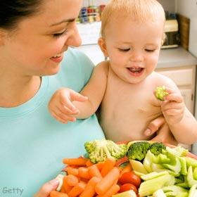 baby-eating-vegetables