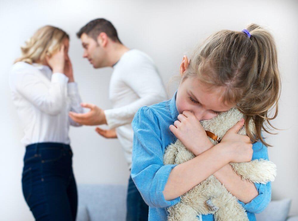 Как правильно рассказать ребенку о разводе