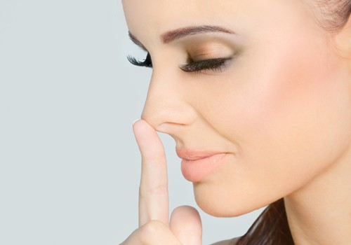 Managing Swelling in the Nose After Rhinoplasty - Rhinoplasty in