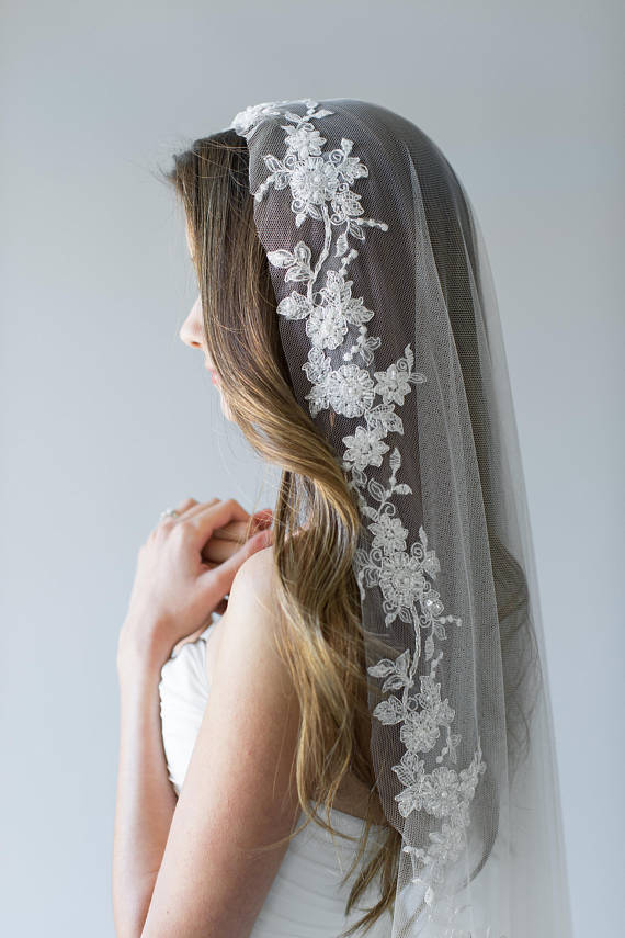 Embroidered Mantilla Veil | HOLLY